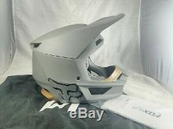 2020 Fox Racing V1 Matte Adult M Helmet Motocross Dirt Bike ATV MX MTB MVRS